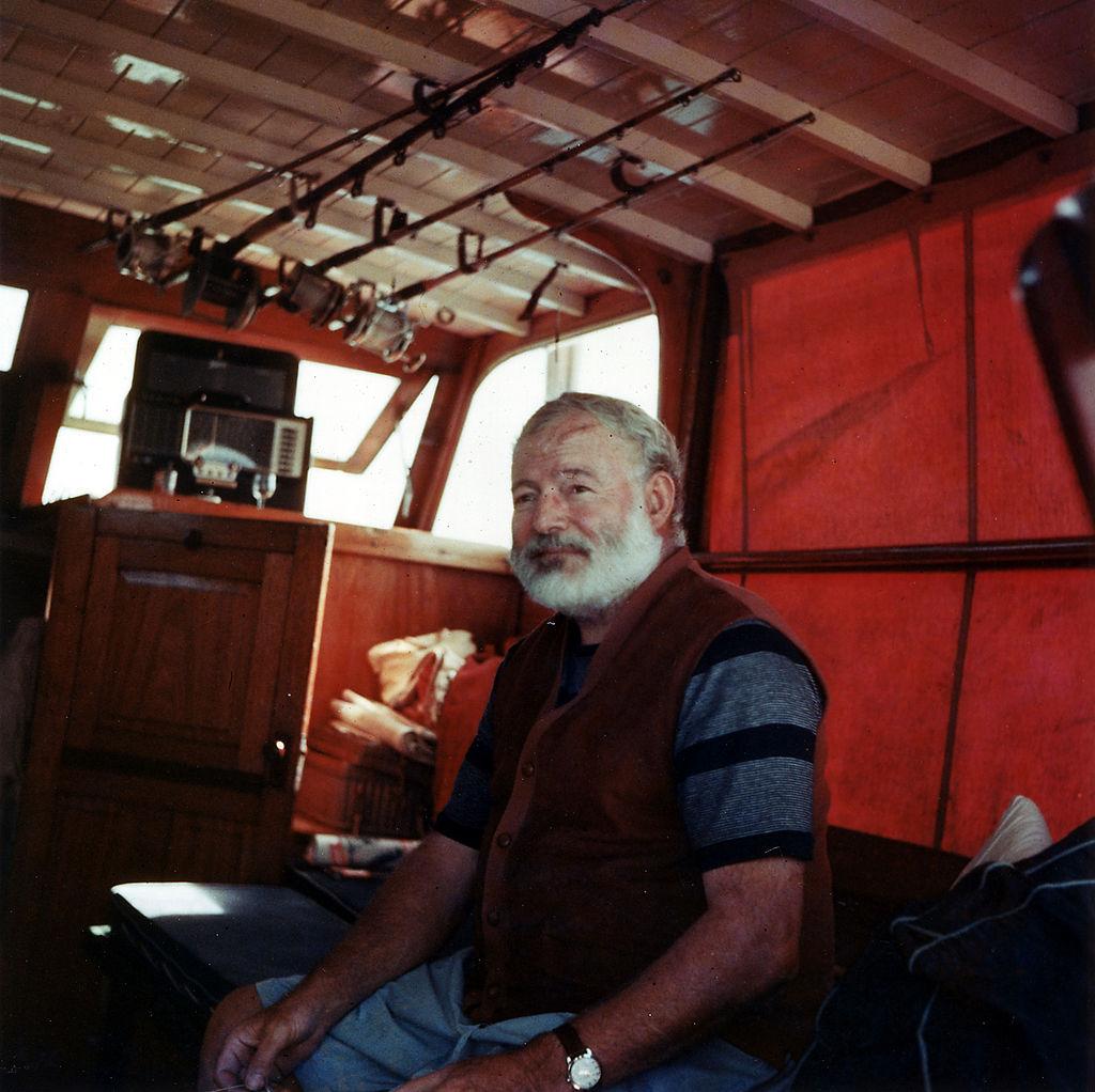 1024px-Ernest_Hemingway_1950