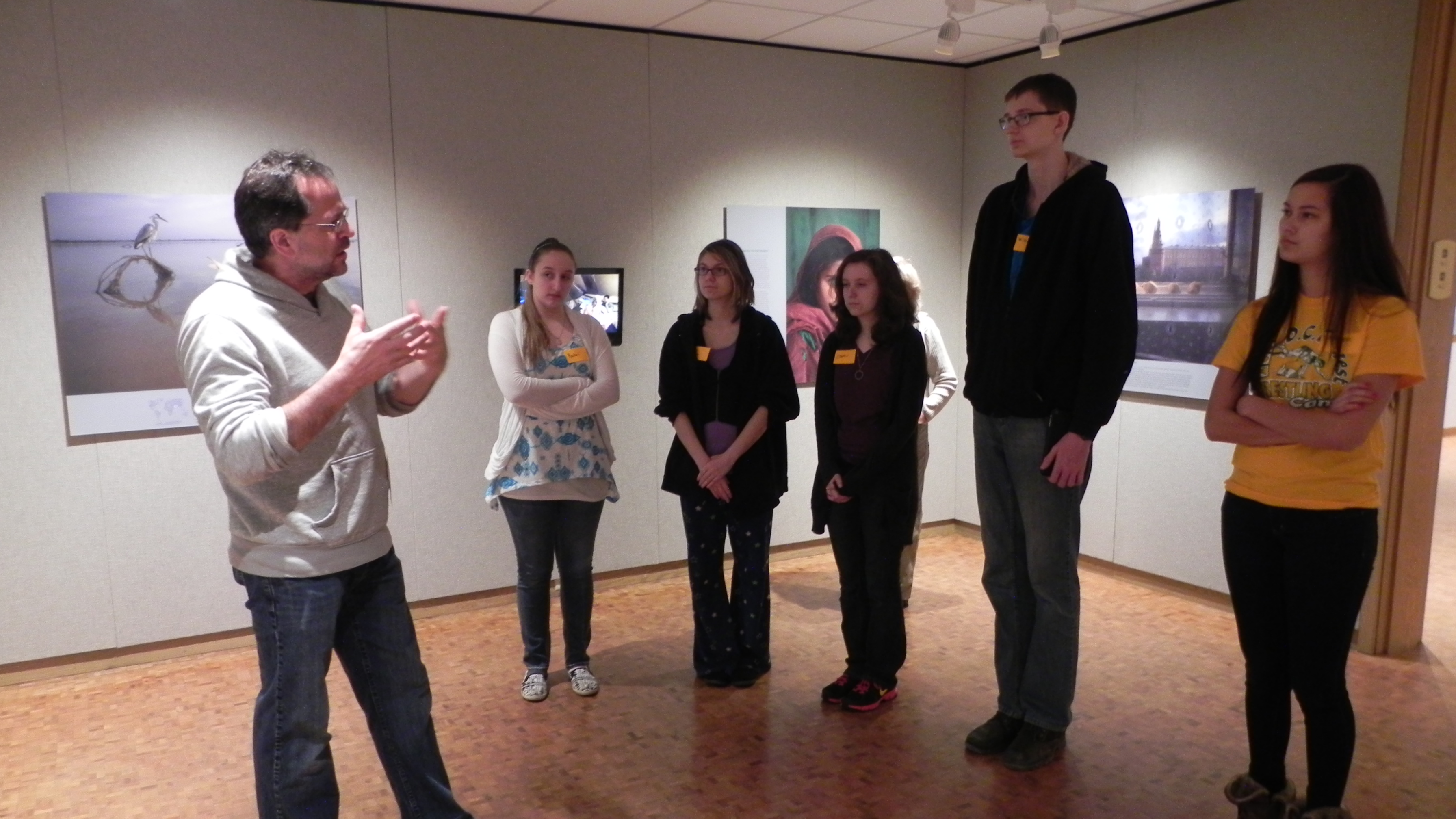 Students at Museum with Dave Junion